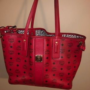 AUTHENTIC MCM MCM Liz Reversable Medium Tote RED